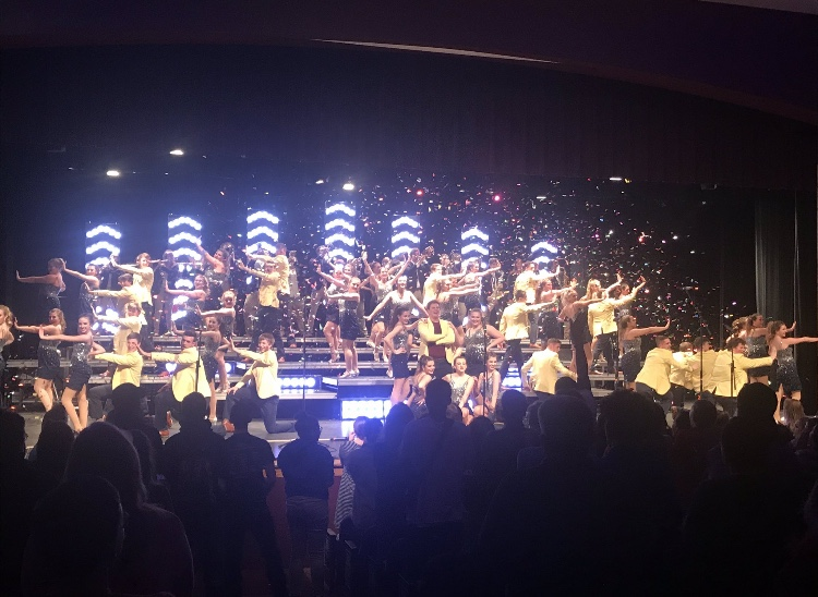 Legacy+Show+Choir+receives+a+standing+ovation+following+their+performance+at+the+first+annual+Legacy+Championship.